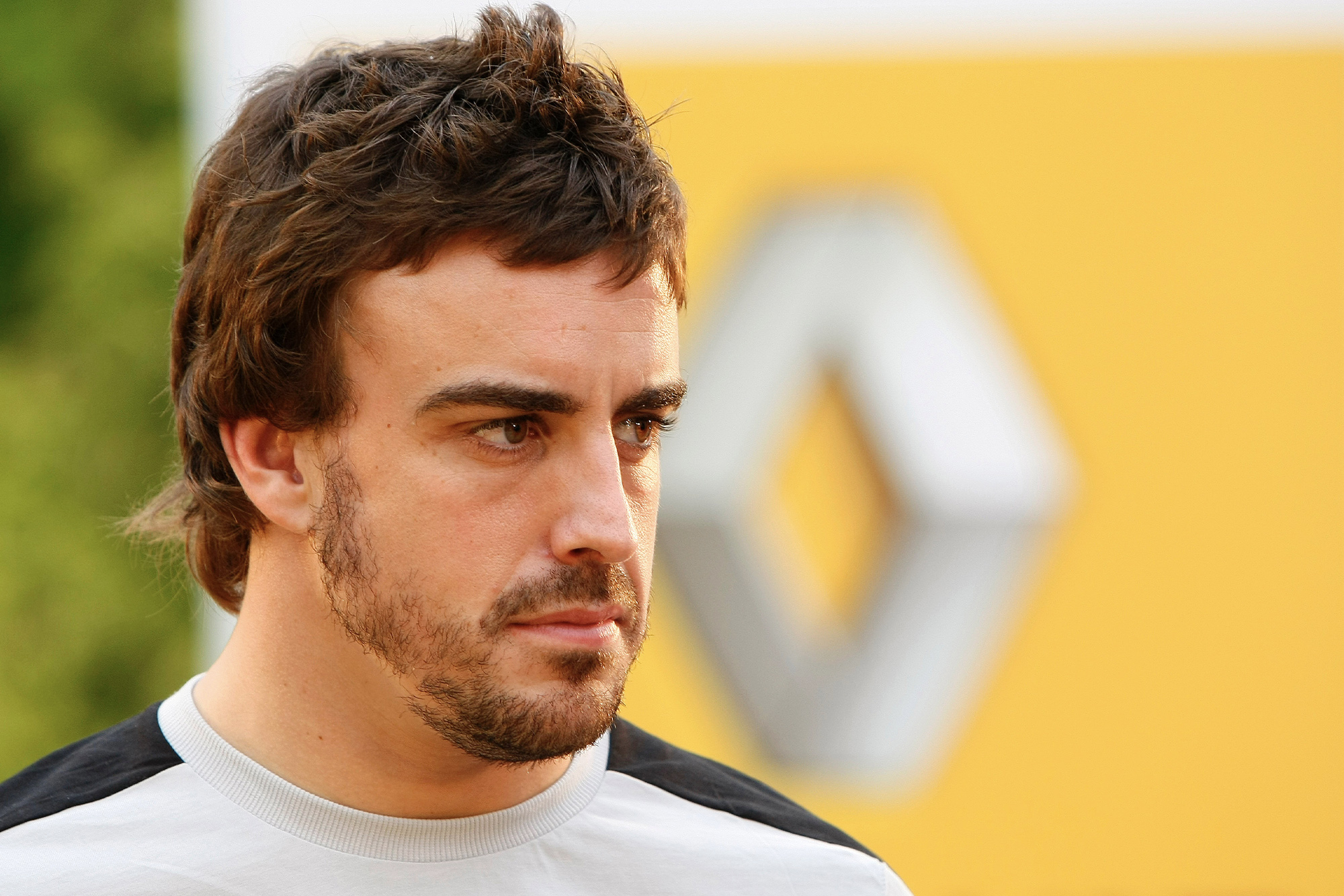 Renault seat for grabs after insider trading in F1 driver market