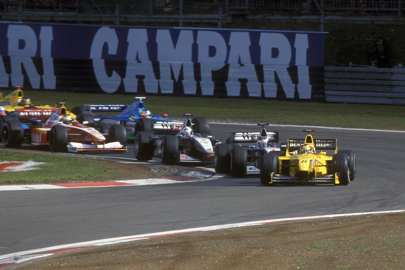 Heinz Harald Frentzen leads into the first corner in the 1999 European Grand Prix at the Nurburgring