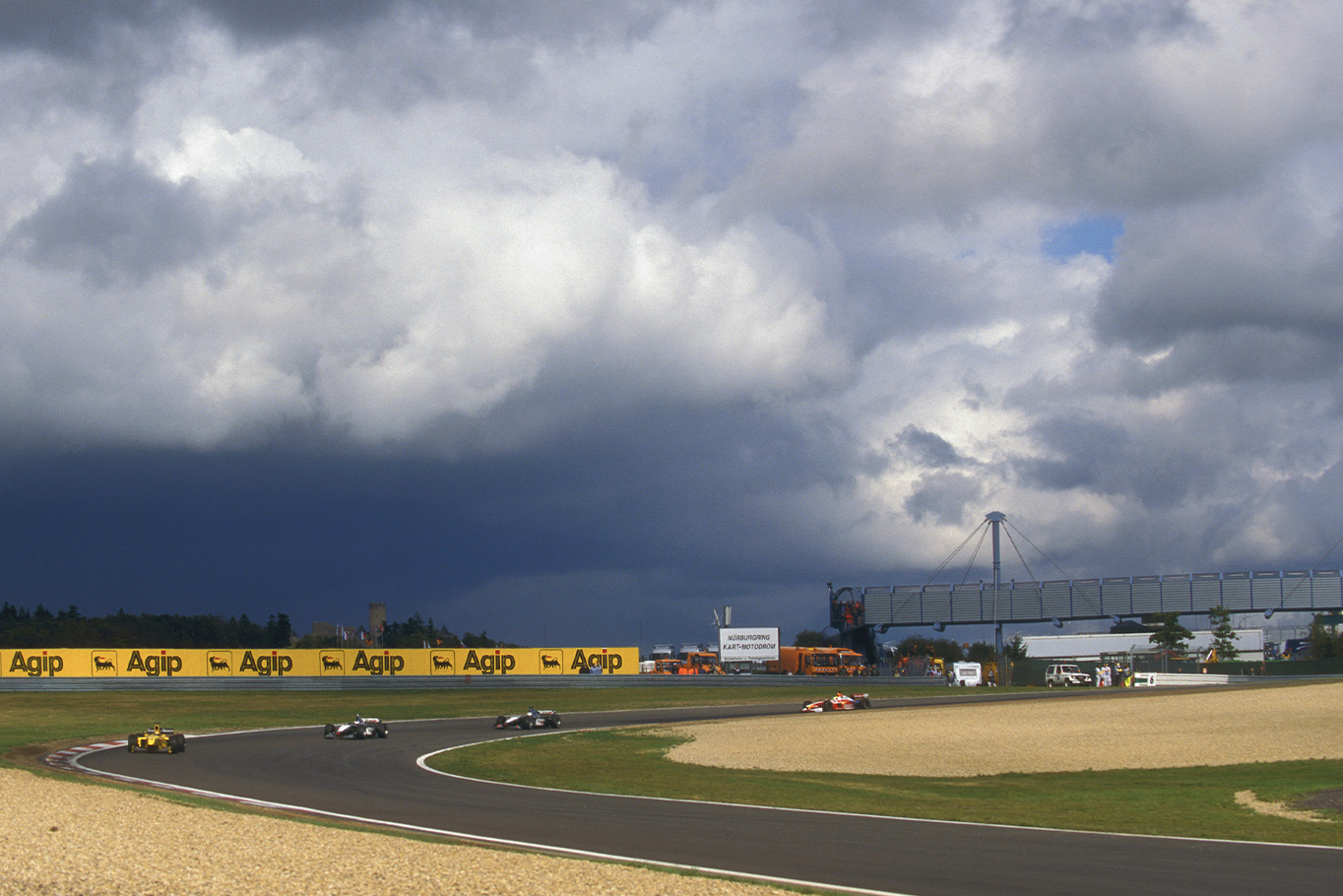 Dark clouds over the Nurbirgring at the start of the 1999 European Grand Prix
