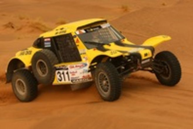 Motul teams off to a good start in the Dakar 2012
