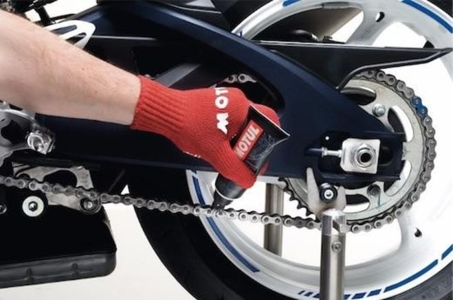 DIY with Motul: 2 Part Chain Maintenance