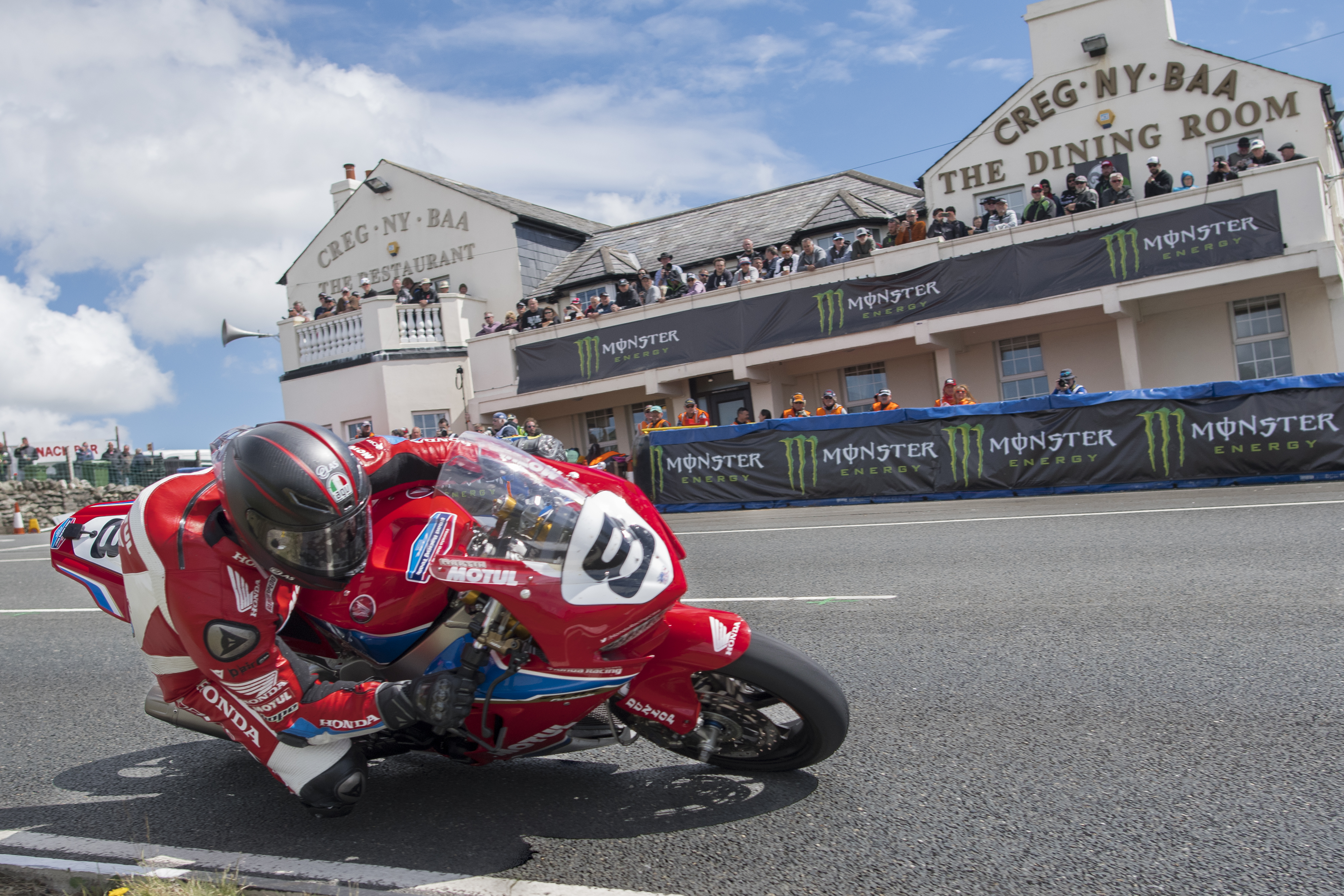 Honda Racing: endurance and Tourist Trophy specialist!