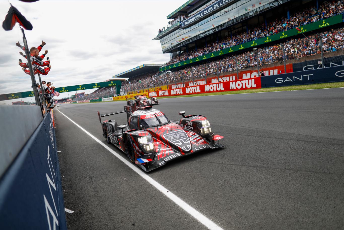 Si vous étiez aux 24 Heures du Mans cette année ou connecté à la plus célèbre des courses d'endurance à travers les écrans digitaux, vous n'avez pu que rencontrer Motul, sur la piste et en dehors…