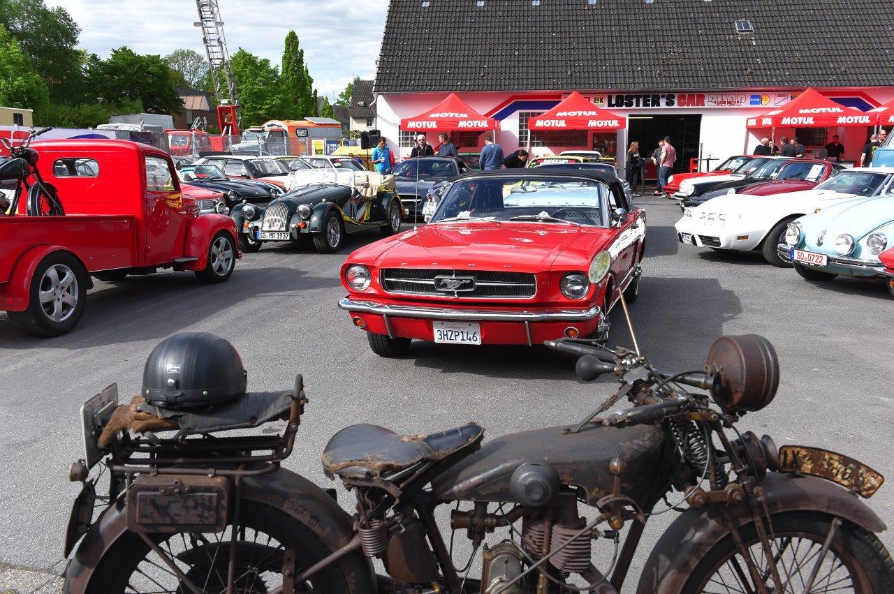 Gut gefüllter Parkplatz