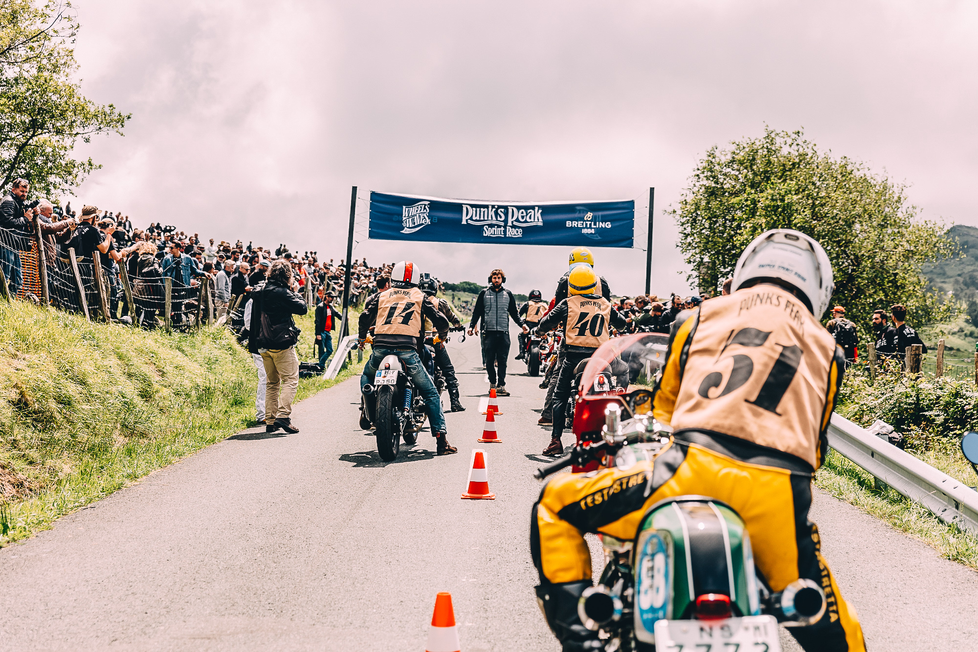Wheels and Waves : The inevitable event of retro motorcycles