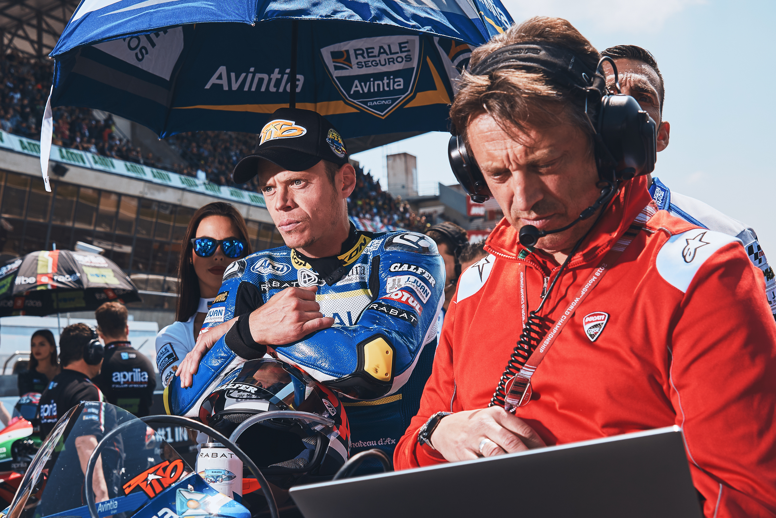 NOT ALL RIDERS LISTEN TO MUSIC ON THE GRID