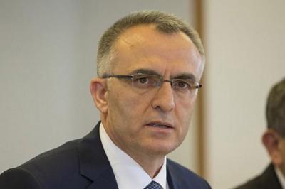 Maliye Bakanı'nından İki Sevindirici Haber