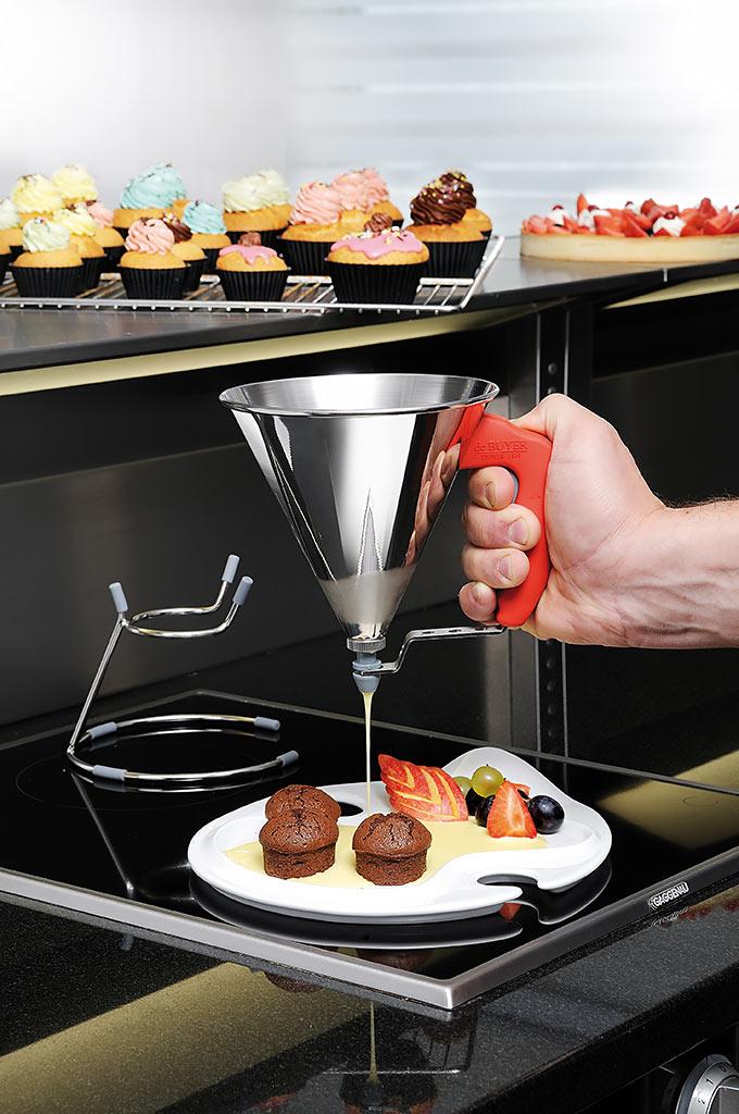 De Buyer Doseertrechter In Inox Met Houder Kwik 0 8l Muller Kitchen And Tableware