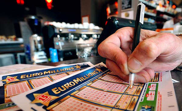 French winner celebrates €24.000.000 Euromillions jackpot