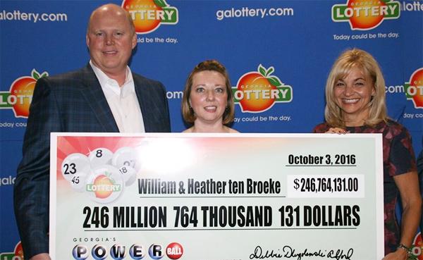 Atlantalainen pariskunta voitti Powerball-päävoiton – arvo 247 000 000 $