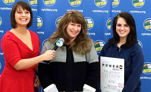 Hospital worker collects $2.000.000 Powerball prize