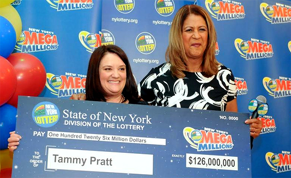 Real estate broker collects $126.000.000 Mega Millions jackpot
