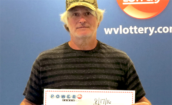 Worthington man wins $1.000.000 with a ticket lost inside his Jeep