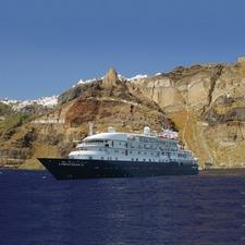 Sea Explorer in Santorini