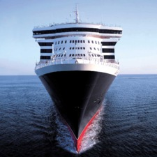 Queen Mary 2 Exterior view Bow shot