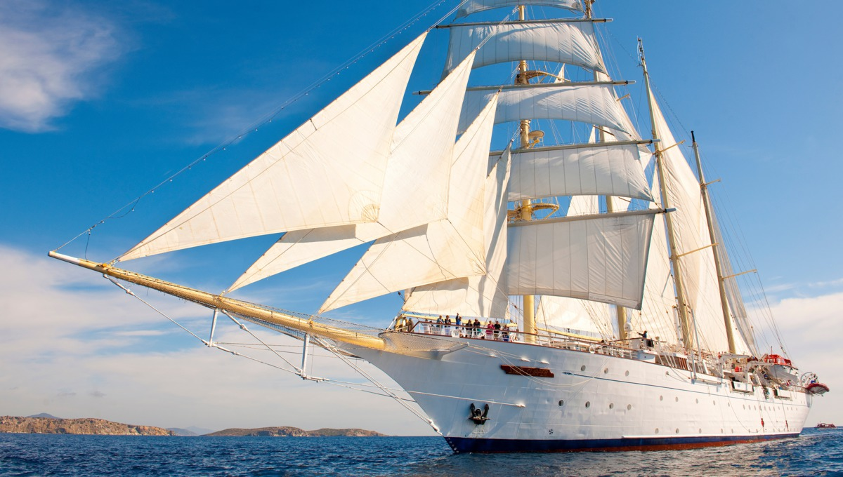 Star Clipper at sea
