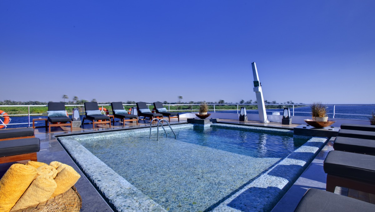 M.S. Nile Adventurer Pool