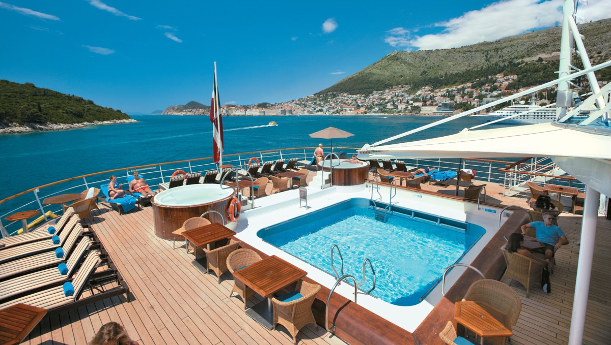 Windstar Cruises - Wind Surf pool