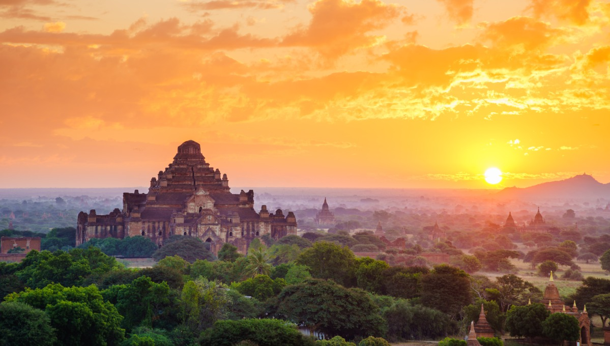 Bagan temples at sunset - The highlight of a Myanmar river cruise