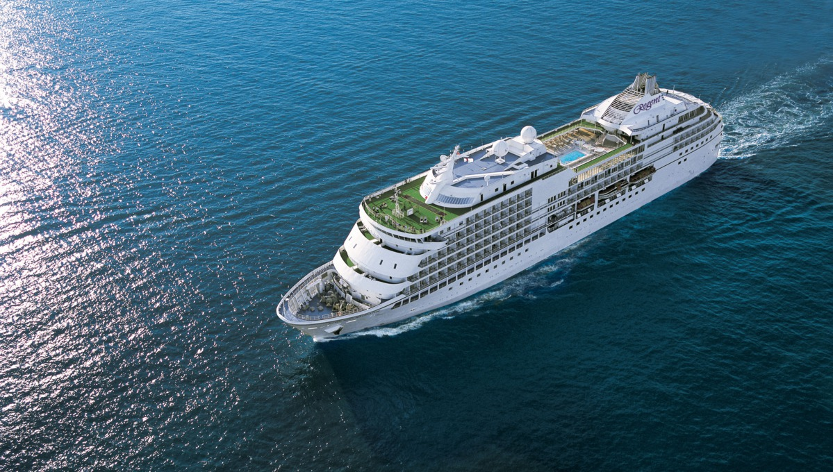 Regent Seven Seas Cruises - Seven Seas Navigator at sea