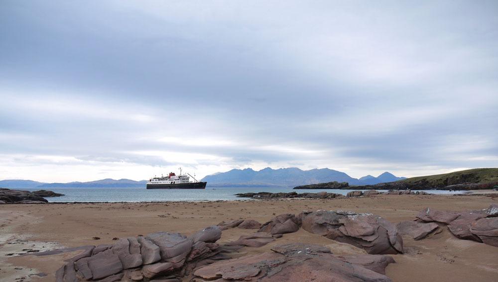 Hebridean Island Cruises - Hebridean Princess in Rum, Scotland