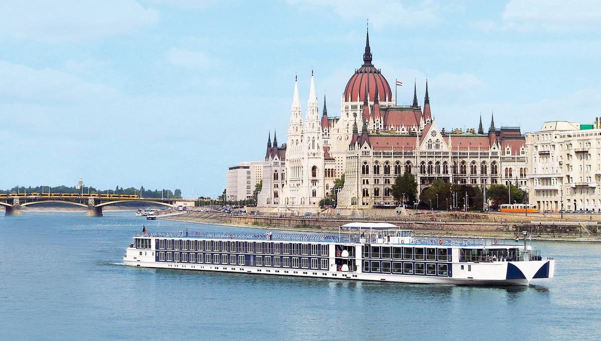 European river cruise guide - Uniworld in Budapest