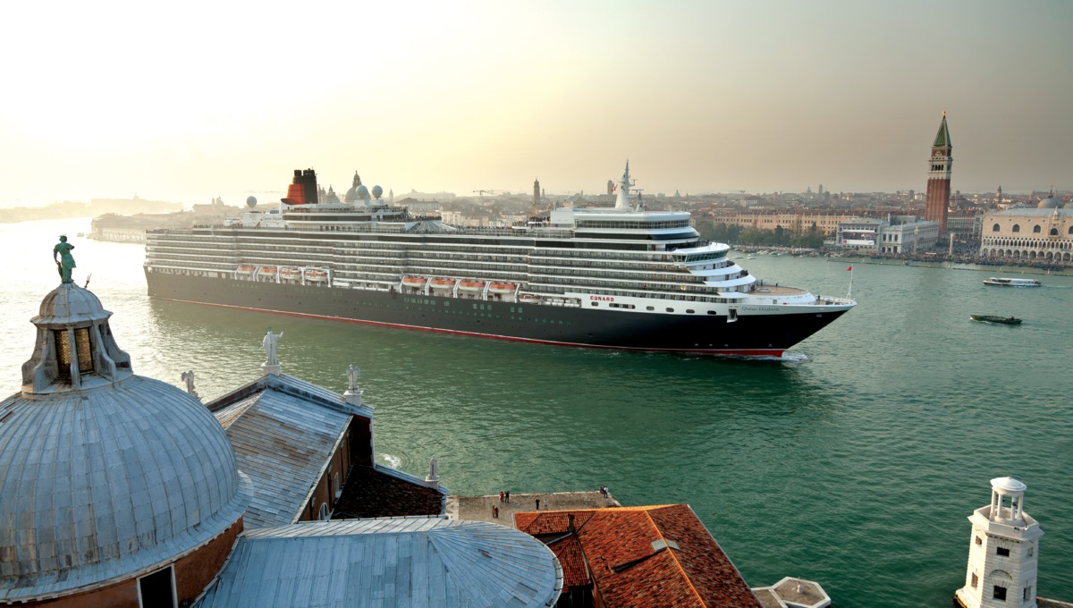 Queen Elizabeth in Venice