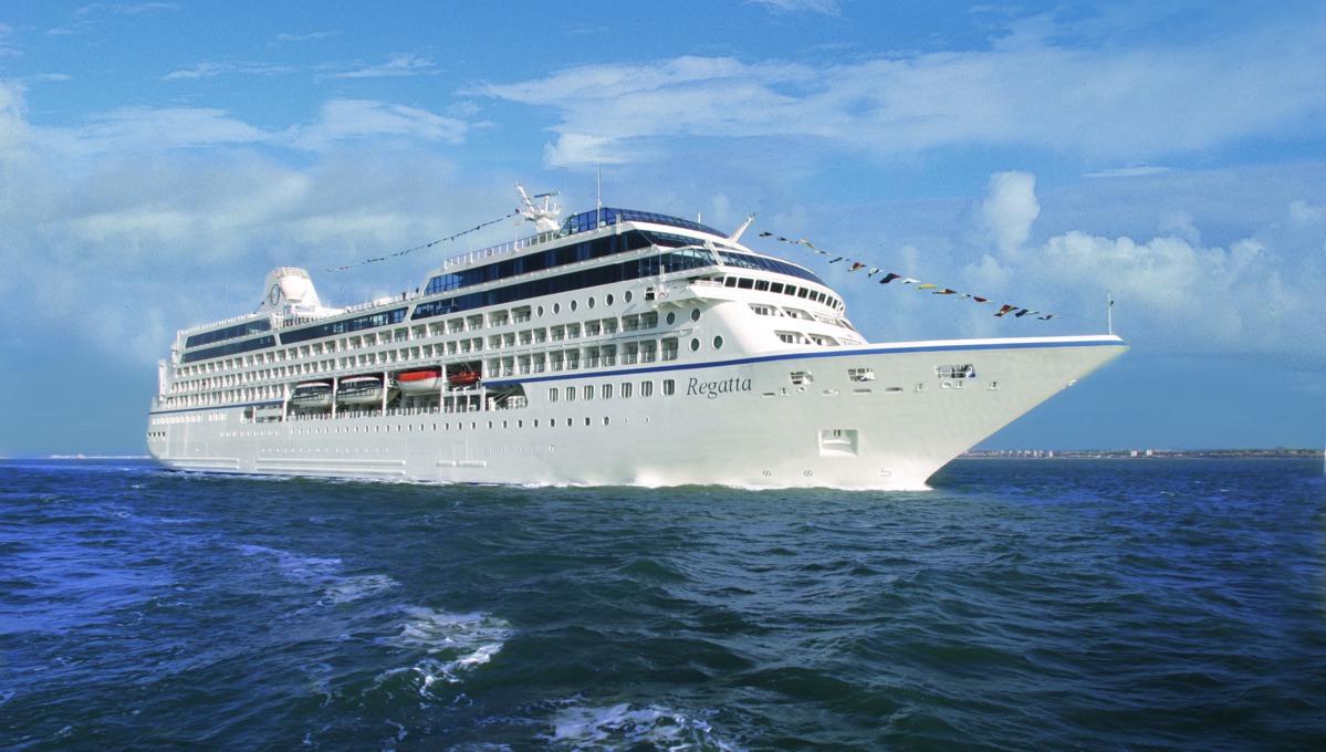 Oceania Regatta at sea