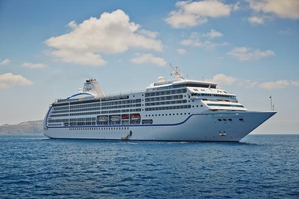 Regent Seven Seas Mariner in Santorini