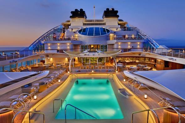 Seabourn Encore - Pool deck