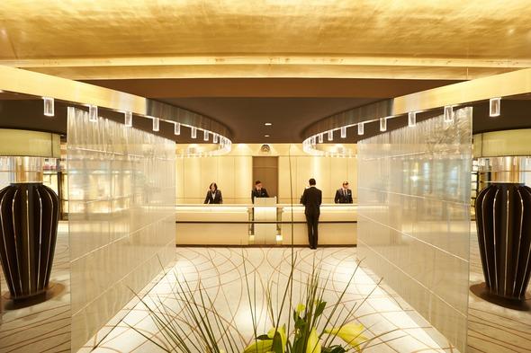 Hapag-Lloyd Cruises - Europa 2 lobby
