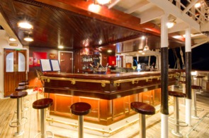 Tropical bar, Star Clipper