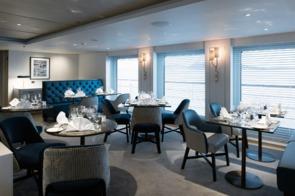 Crystal Esprit - Yacht Club Restaurant