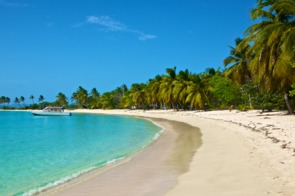 Beach on Mayreau, St Vincent & The Grenadines