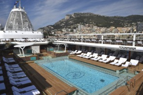 Regent Seven Seas Explorer - Pool deck
