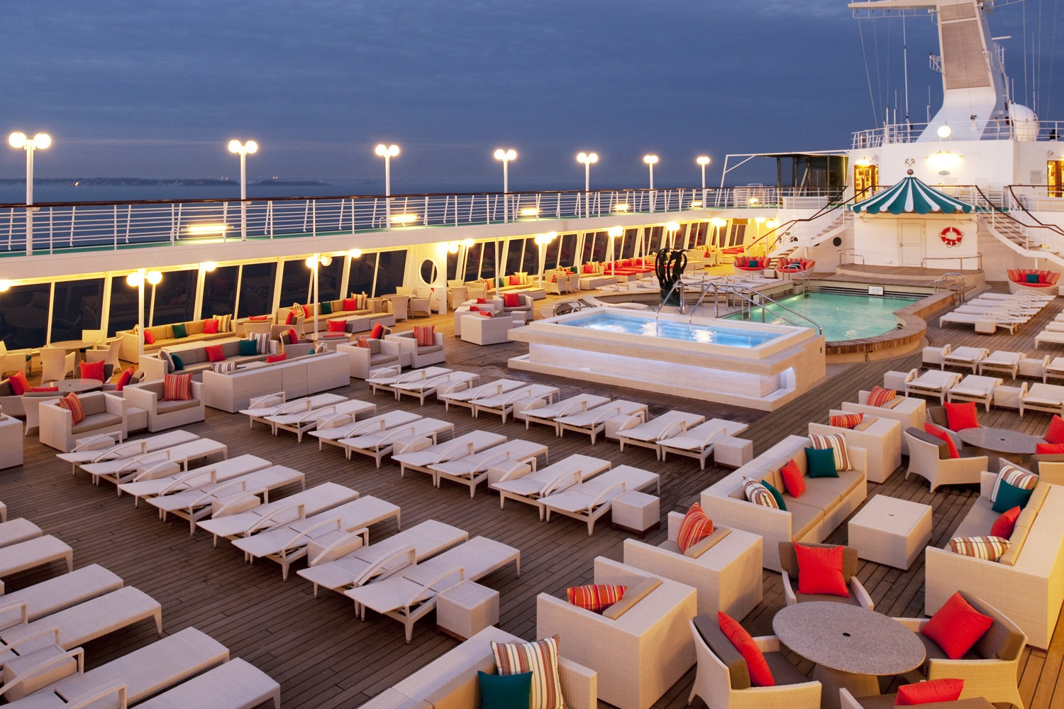 Crystal Cruises - Crystal Symphony pool deck