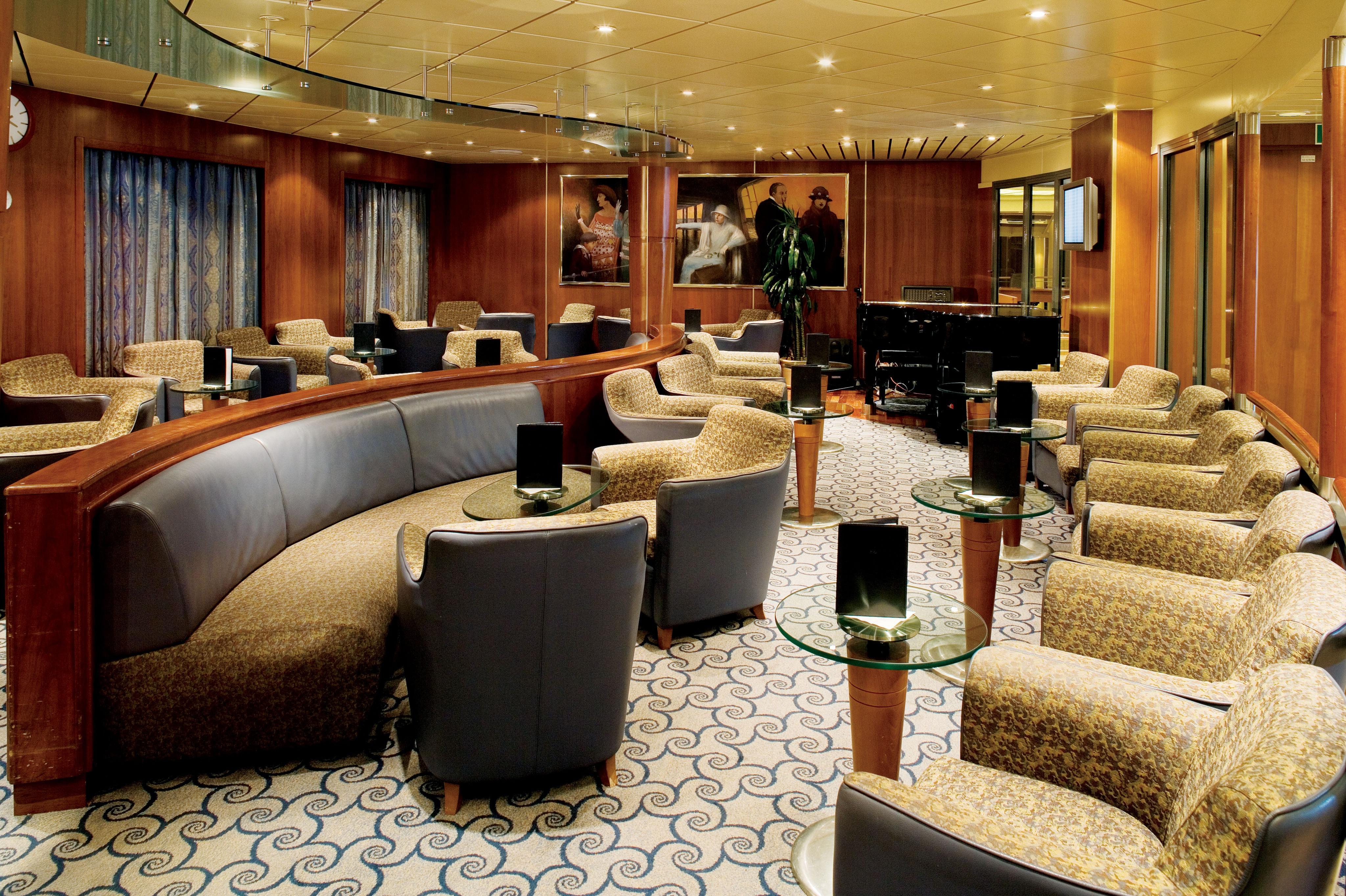 Regent Seven Seas Navigator Lounge