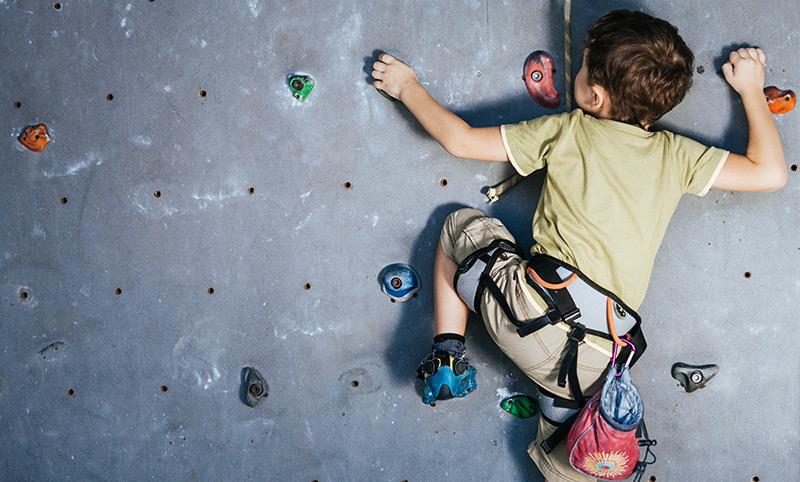 kid-climbing-wall