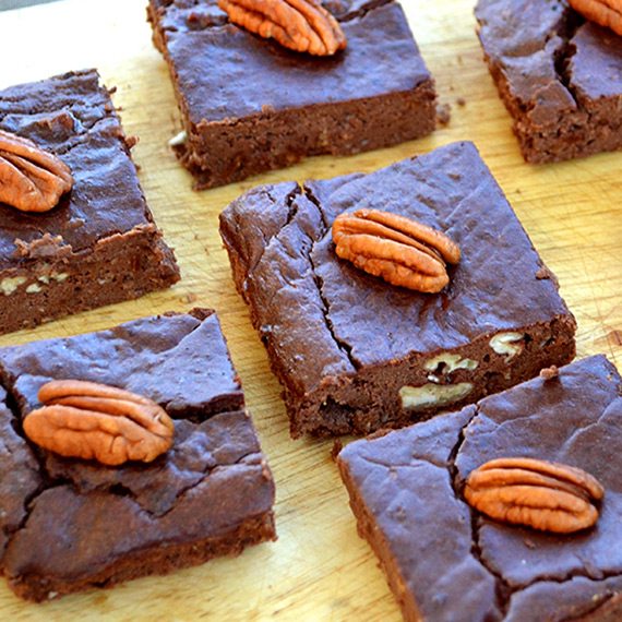 Pecan Protein Brownies