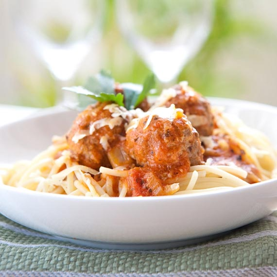 Spaghetti Fra Diavolo with Turkey Meatballs