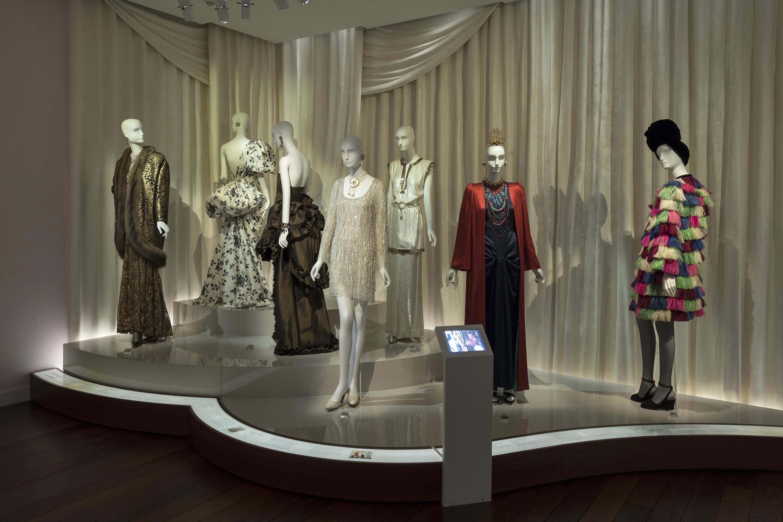 Mus e yves saint laurent paris inaugural display mus e yves saint laurent paris - Musee yves saint laurent paris ...