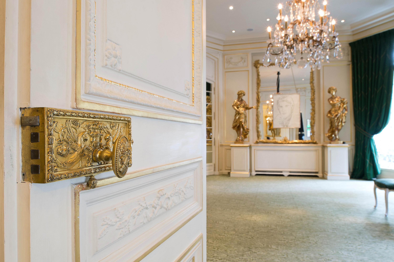 location d 39 espaces mus e yves saint laurent paris. Black Bedroom Furniture Sets. Home Design Ideas