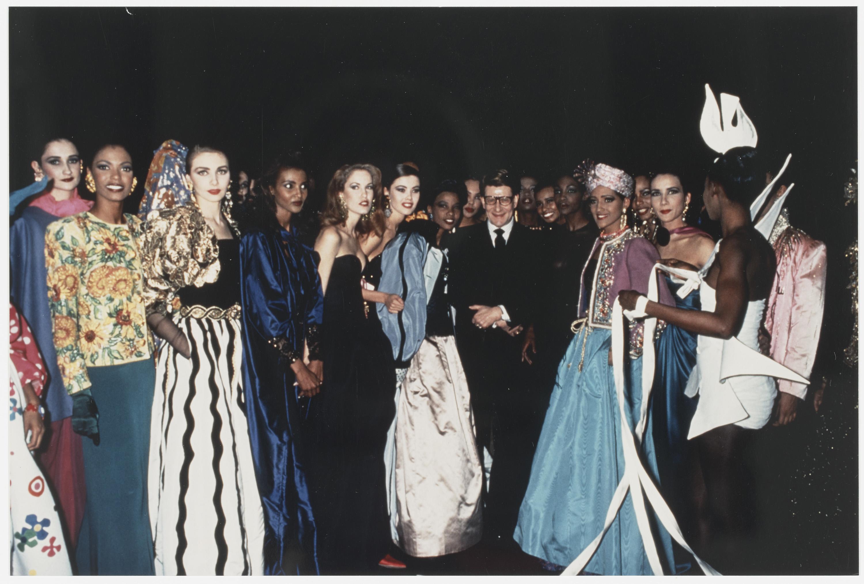 Les trente ans de la maison de couture mus e yves saint for Ayzel maison de couture