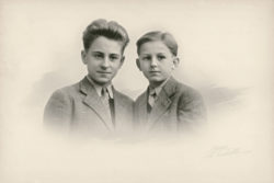 Pierre Bergé and his younger brother Michel in the 1940s., © Droits réservés