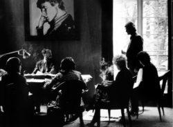 Meeting in Pierre Bergé's office, 5 avenue Marceau, Paris, 1974. Photograph by Pierre Boulat., © Courtesy Association Pierre et Alexandra Boulat