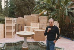 Pierre Bergé during the move to the Villa Oasis, Marrakech, 1980., © Droits Réservés