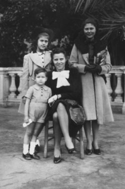 Yves Saint Laurent with his mother and cousins in the 1940s., © Droits réservés