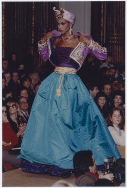 Indian-inspired evening ensemble worn by Amalia Vairelli during the fashion show for the spring-summer 1982 haute couture collection, Salon impérial of the Hôtel Inter-Continental, Paris, January 1982., © Droits Réservés