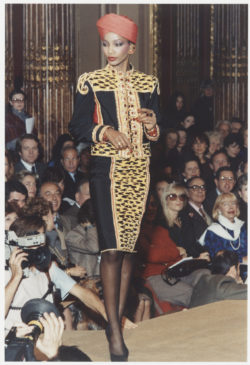 Indian-inspired evening ensemble worn by Mounia Orosemane during the fashion show for the spring-summer 1982 haute couture collection, Salon impérial of the Hôtel Inter-Continental, Paris, January 1982., © Droits Réservés