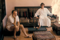Pierre Bergé and Yves Saint Laurentin their house Dar Es Saada, Marrakech, 1977. Photograph by Guy Marineau., © Musée Yves Saint Laurent Paris / Guy Marineau